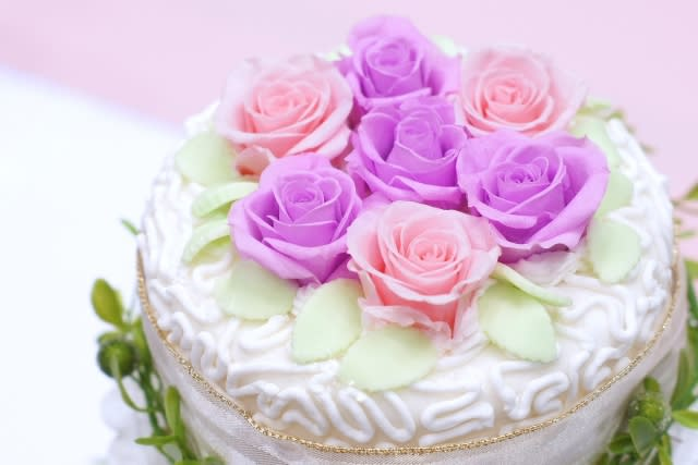 誕生日プレゼントにおすすめのフラワーケーキ